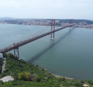 Brücke des 25. April (selber Konstrukteur der Golden Gate)