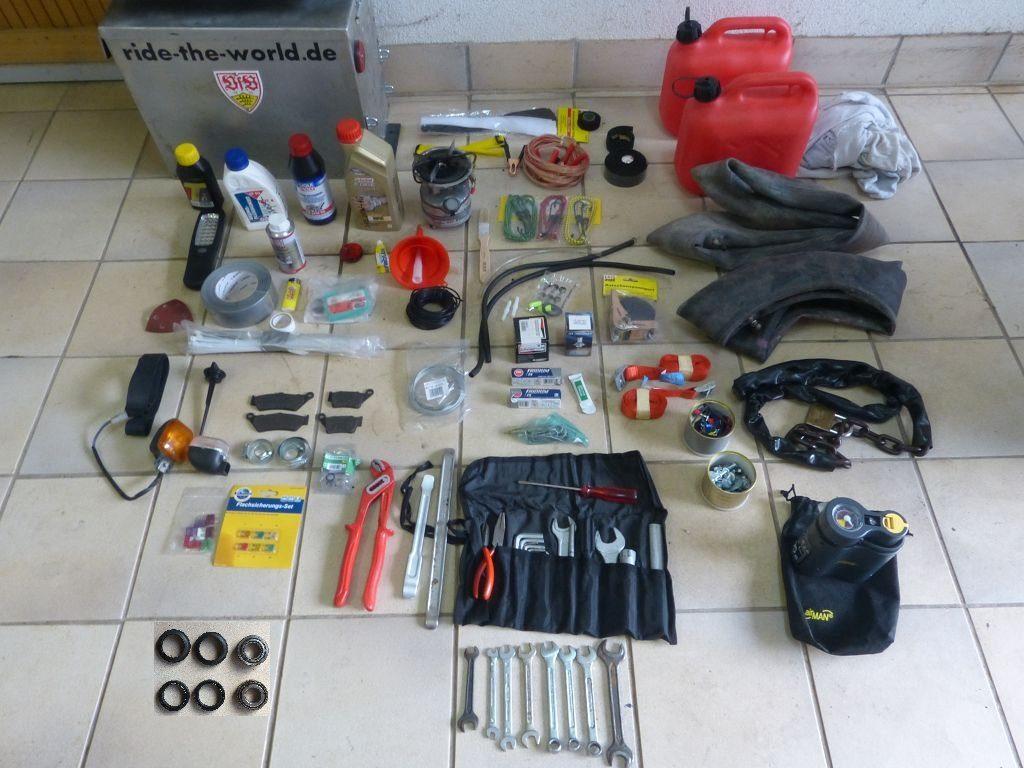 Ersatzteile und Werkzeug