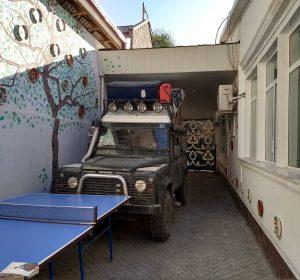 Der Land Rover von Emeline und Hugo