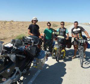 Vier Radler aus Frankreich und Spanien