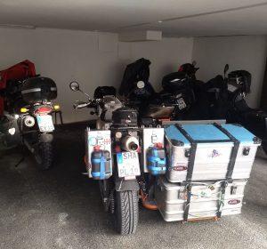 Mopeds unter Dach und Fach