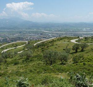 Über die Berge Albaniens kurz vor Tirana