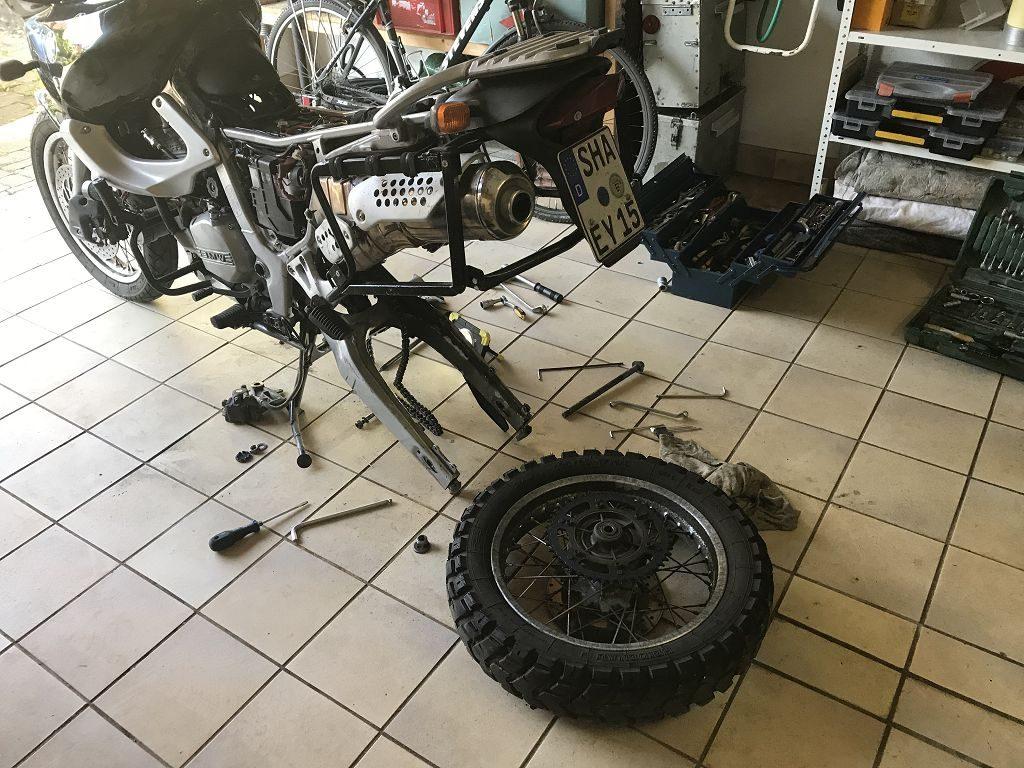World-Tour 2019 – Aus- und Umbau Motorrad